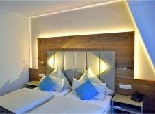 Hotel & Restaurant - Hotel-Außenansicht