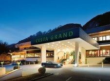 Hoteleingang CESTA GRAND Aktivhotel & Spa