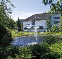 Hotelpark mit See & Fontäne, Quelle: