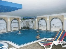 Indoor Pool im Waldhotel Göhren