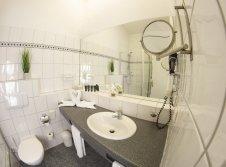 KomfortPlus-Zimmer Badezimmer