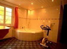 Komfortzimmer mit Eckbadewanne AKZENT Hotel Saltenhof