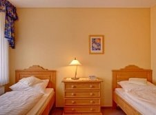 Landhaus Komfort Dreibettzimmer