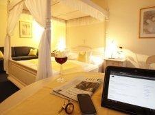 Landhaus Premium Doppelzimmer mit Himmelbett
