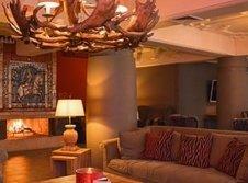Lobby Bar mit Kamin