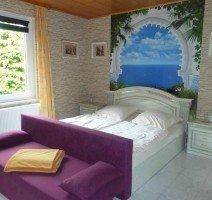 Luxus-Ägyptenzimmer mit eigener Whirlwanne, Quelle: (c) Sonnenberg-Schlößchen