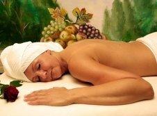 Ölberg Grotte Loculi Sani mit Massagen aus aller Welt