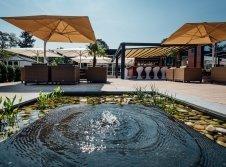 Plaza & Lounge