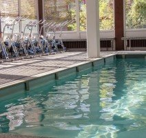 Pool mit Aquabikes, Quelle: (c) AKZENT Vitalhotel König am Park