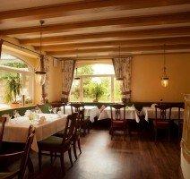 Restaurant mit Kachelofen, Quelle: