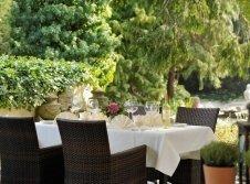 Romantik Kurzurlaub mit Frühstück auf der Terrasse