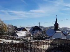 """Saunagarten """"Hühnerhof im Winter"""