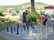 Schach spielen im Hotel zur Mühle