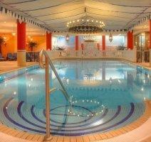 Schwimmbad der gegenüberliegenden Ostseeresidenz, Quelle: (c) Romantik Hotel Esplanade