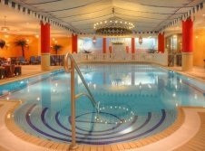 Schwimmbad der gegenüberliegenden Ostseeresidenz