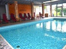 Schwimmbad im Ringhotel Alpenhof in Augsburg