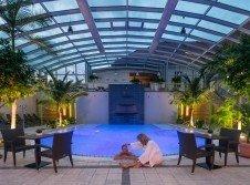 Schwimmbecken im Bäderhaus