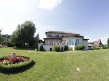 Sonnenhof.Gartenseite