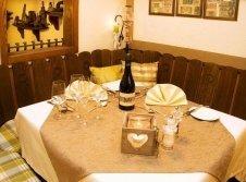 Spundloch Tisch