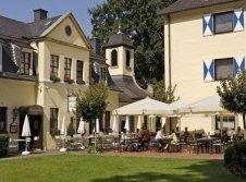 Terrasse Parkhotel Schloss Hohenfeld