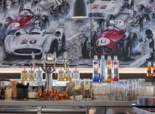 V8 Bar