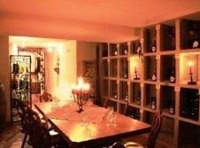 Weinverkauf und Weinprobe im Weinkeller