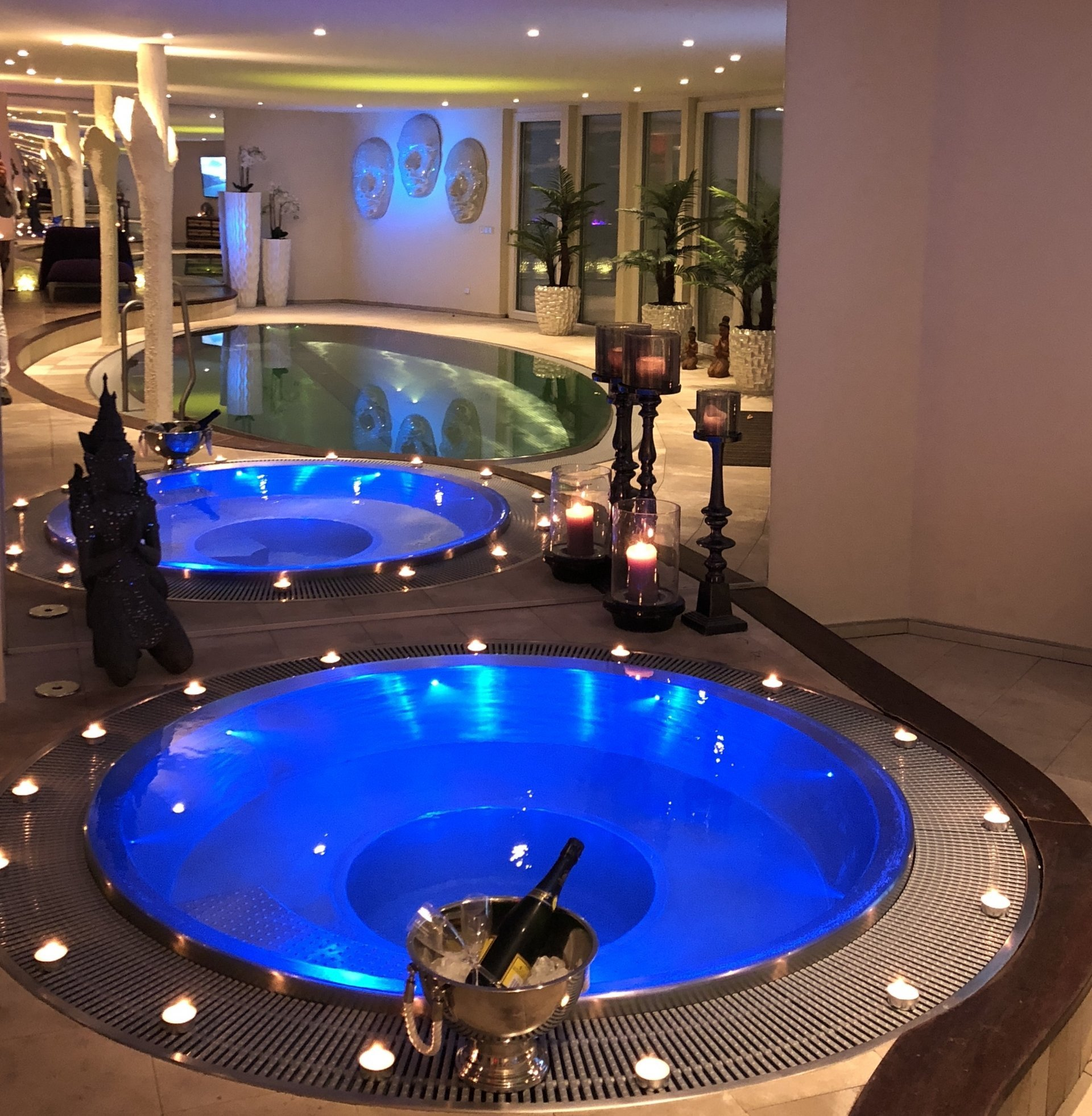 private spa mit bernachtung in deluxe zimmer in stuttgart im luxfit spa in stuttgart. Black Bedroom Furniture Sets. Home Design Ideas