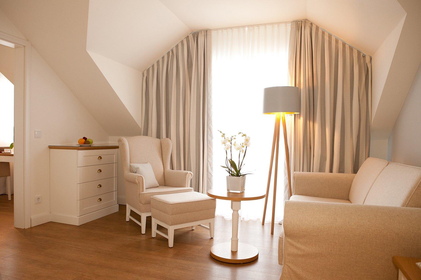 Wohnzimmer junior suite quelle c hotel restaurant fuchsbau for Wohnzimmer heilbronn