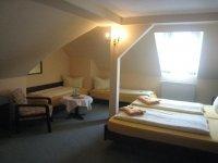 4-Bettzimmer, Quelle: (c)  Hotel - Restaurant Schöne Aussicht