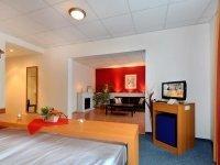 Aqua-Suite mit Whirlpool & Wasserbett, Quelle: (c) Center-Hotel Kaiserhof