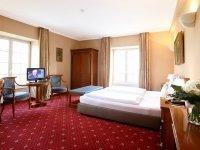 Deluxe Doppelzimmer, Quelle: (c) Hotel Schloss Edesheim