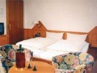 Doppelzimmer, Quelle: (c) Central-Hotel Greiveldinger