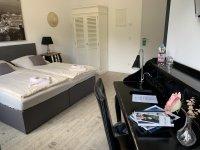 Doppelzimmer Deluxe mit 1,80 m Bett, Quelle: (c) Parkhotel Putbus