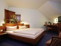Doppelzimmer Gartenseite mit Balkon, Quelle: (c) AKZENT Hotel Alte Linde Wieling