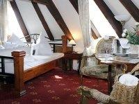 """Doppelzimmer im Märchenturm """"Rapunzelturm"""", Quelle: (c) Hotel Burg Trendelburg"""