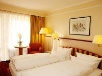 Doppelzimmer Komfort mit Balkon oder Terasse , Quelle: (c) FUCHSBAU | Romantik Hotel • Restaurant • SPA