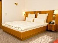 Doppelzimmer Komfort Plus, Quelle: (c) Parkhotel Schloss Hohenfeld