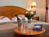 Doppelzimmer mit Aufbettung, Quelle: (c) Parkhotel Golf