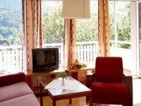 Doppelzimmer Standard mit Balkon , Quelle: (c) Sonnenhotel Hafnersee