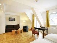 Doppelzimmer mit Balkon, Quelle: (c) AKZENT Brauerei Hotel Hirsch