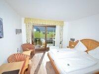 Doppelzimmer mit Süd-Panoramabalkon, Quelle: (c) Hotel Fuggerhof