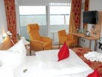 Doppelzimmer zur Seeseite, Quelle: (c) Privathotels Dr. Lohbeck Seehotel Fährhaus