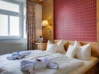 Doppelzimmer Standard im Schloss, Quelle: (c) Hotel Schloss Nebra