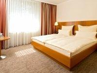 Doppelzimmer Standard Plus, Quelle: (c) Parkhotel Schloss Hohenfeld
