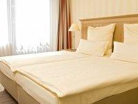 Doppelzimmer zur Einzelnutzung, Quelle: (c) Parkhotel Schloss Hohenfeld
