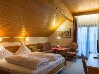 Doppelzimmer/Südseite mit Talblick, Quelle: (c) Wander- und Wellnesshotel Winterhaldenhof