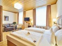 Dreibett-Zimmer, Quelle: (c) AKZENT Hotel Goldner Stern
