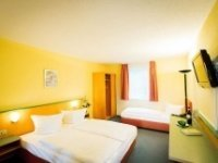 Dreibettzimmer, Quelle: (c) APART-HOTEL WEIMAR