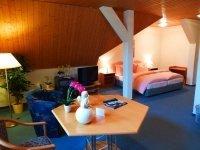 Dreibettzimmer, Quelle: (c) Parkhotel & Restaurant Waldschlösschen