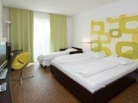 Dreibettzimmer, Quelle: (c) ARTE Hotel Krems
